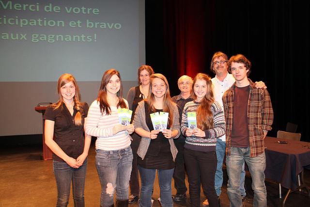 Génies en philo 2013 (L'équipe gagnante et les organisateurs)